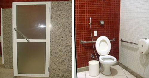 Porta com alavanca para banheiro adaptado e banheiro adaptado