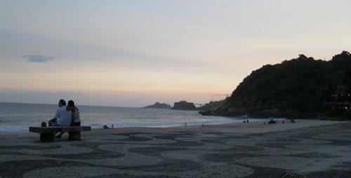 Por do sol na praia de São Conrado