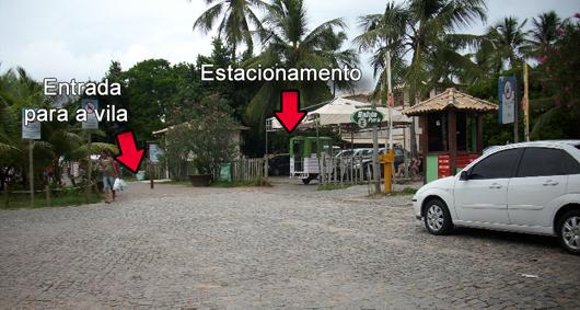 Estacionamento e entrada da vila da Praia do Forte