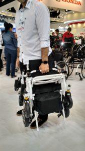 Cadeira de rodas motorizada portátil